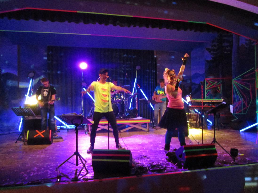Neon Party Reit im Winkl