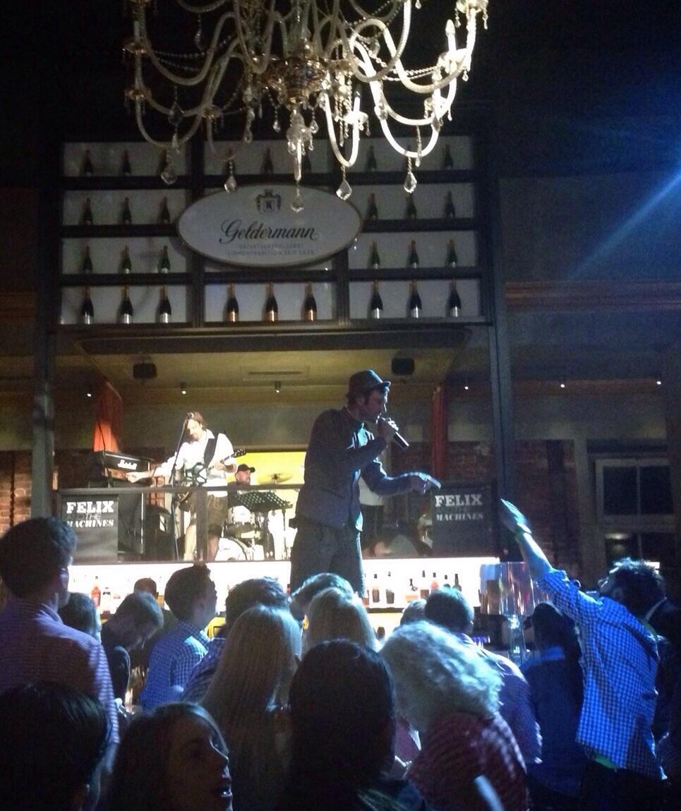 Live im Parkcafe München. Show 2015.